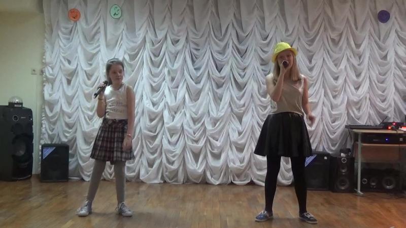 Выступление Виктории и Маши. Непохожи