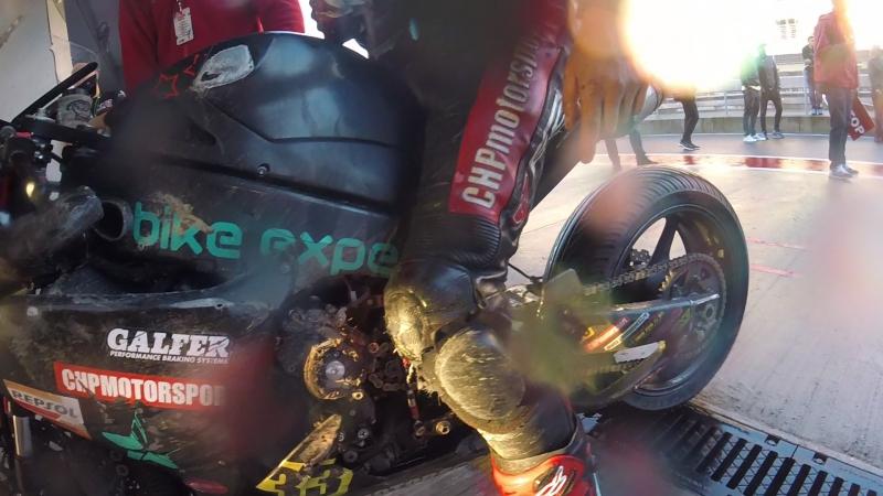На финише второго заезда Superbike, VIst. RSBK2017