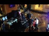 Прекрасная итальянская песня в ресторане Древний Рим...