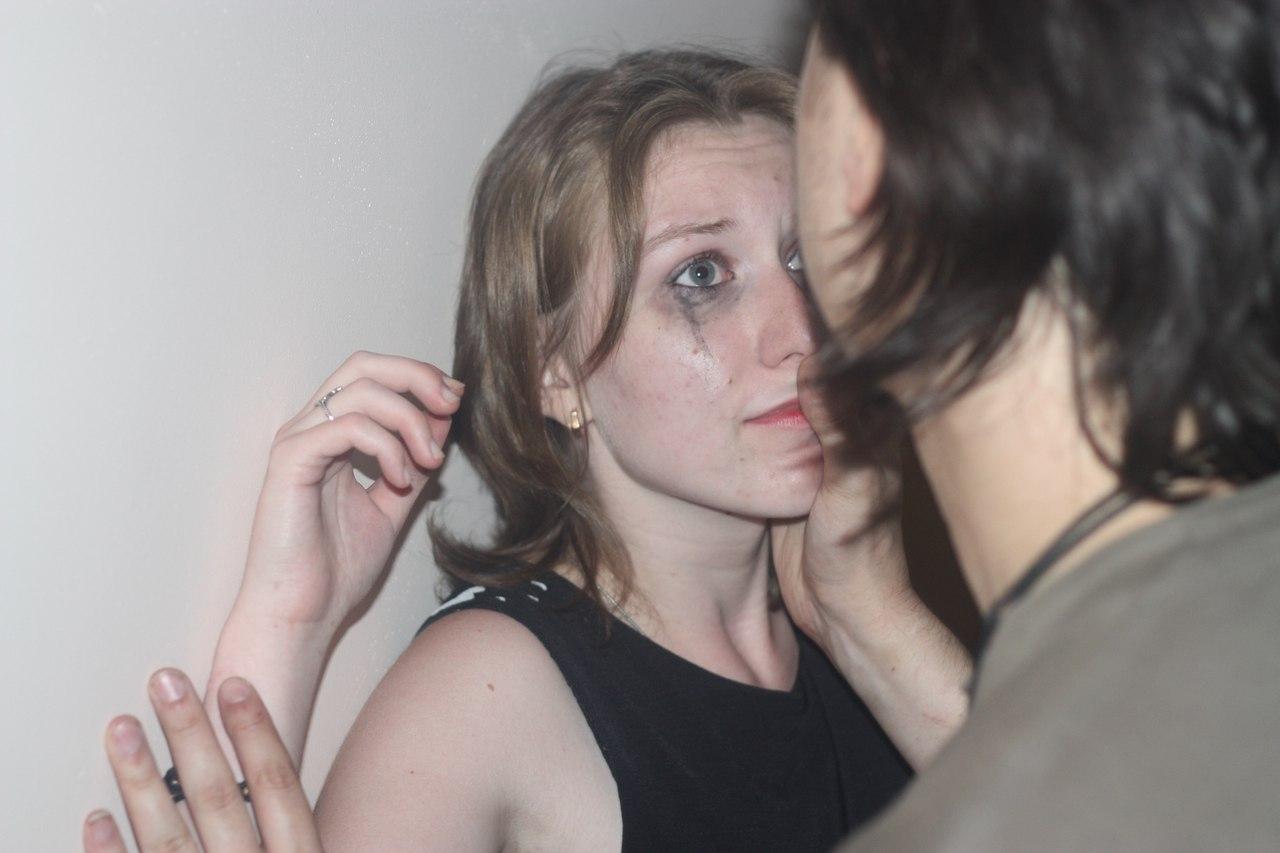 Русская девушка жестко трахнула свою подругу, Приятель жестко трахнул подругу по ее просьбе 22 фотография