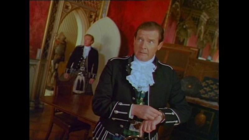 В яблочко! (Англия, 1990) комедия, пародия на шпионские фильмы, Роджер Мур, Майкл Кейн, советская кинотеатральная озвучка