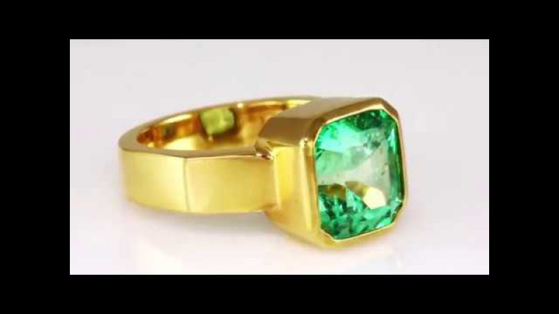 Natural Colombian Emerald 4,246ct in 22K Gold Ring