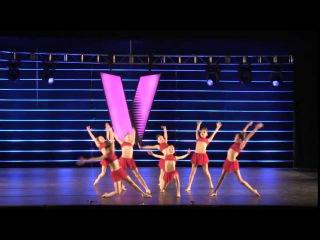 Красивый спортивный детский танец. Смотрите как красиво танцуют девочки.