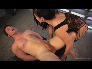 🔥🔥🔥 @club69703911 (Смотреть ролик полностью) Lea Lexis Presents Her Futuristic Medical Fetish Dungeon Kink.com Rick Fantana