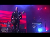 Queens Of The Stone Age - I Sat By The Ocean (Live on Letterman)