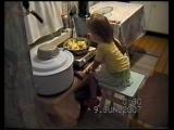 Юлия кушает ночью 12 июня 2007 год