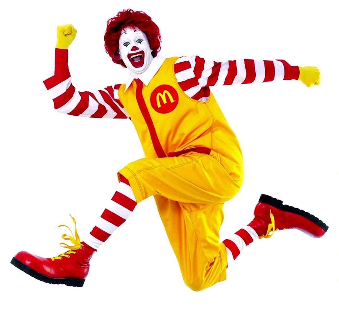У французских солдат украли винтовки, пока они объедались гамбургерами в McDonald
