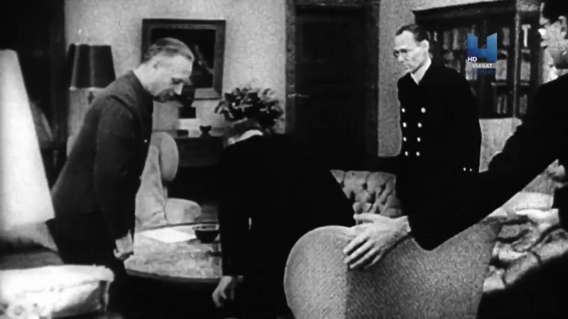 В 1940 году Молотов прибыл в Берлин для обсуждения разделения мира после совместной победы с нацистами. Его внук Никонов сейчас