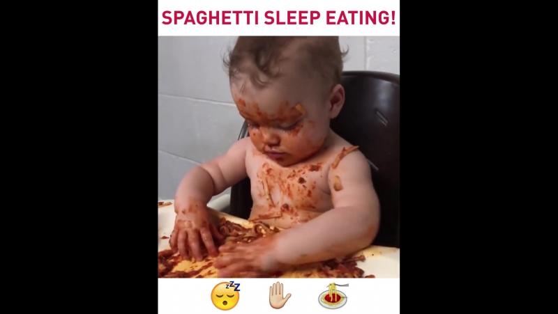 Spagetti Sleep Eating