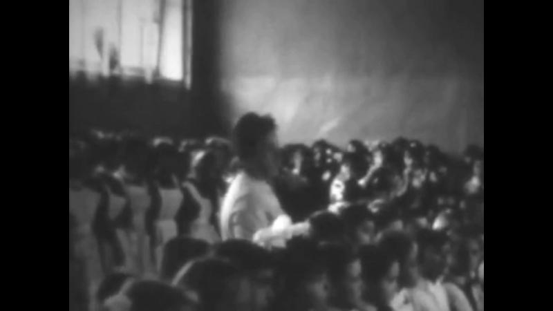 Выпускной. Школа № 1 г. Кировск 1966 год (low)