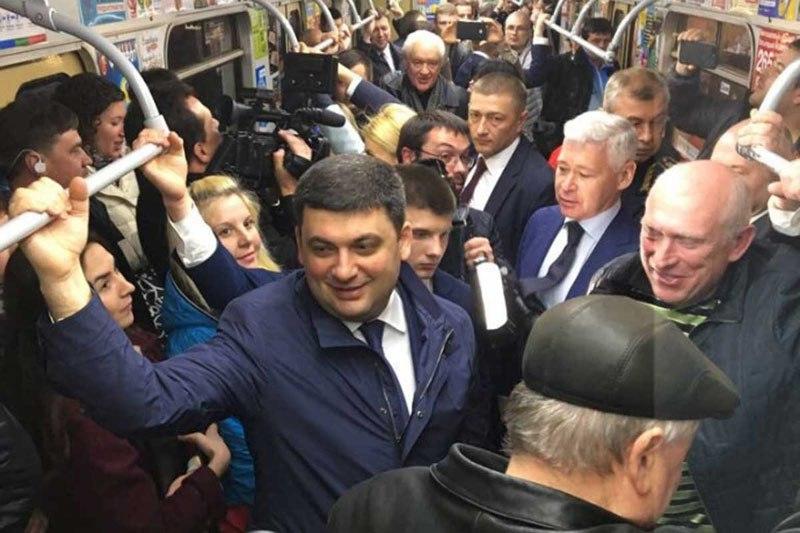 Премьер в метро, или Кризис политических технологий