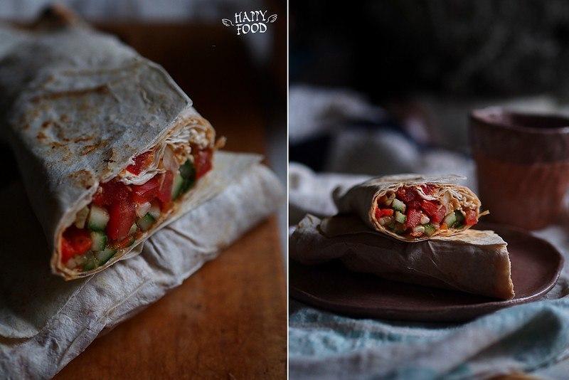 Овощной салат с баклажановой икрой в лаваше