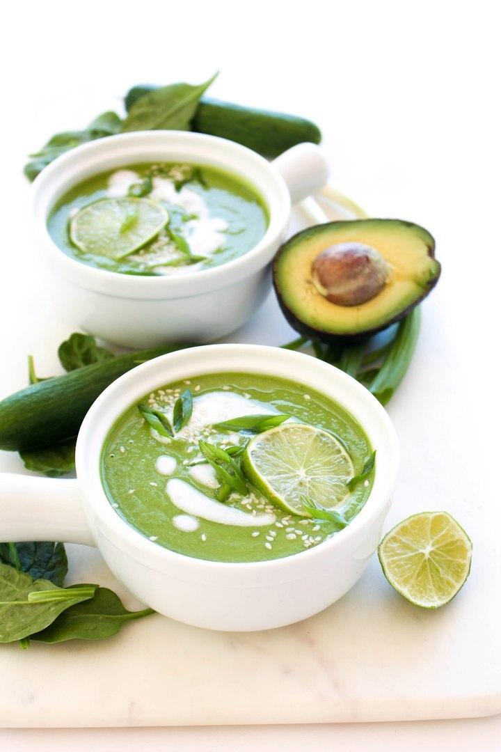Холодный суп из авокадо и огурца