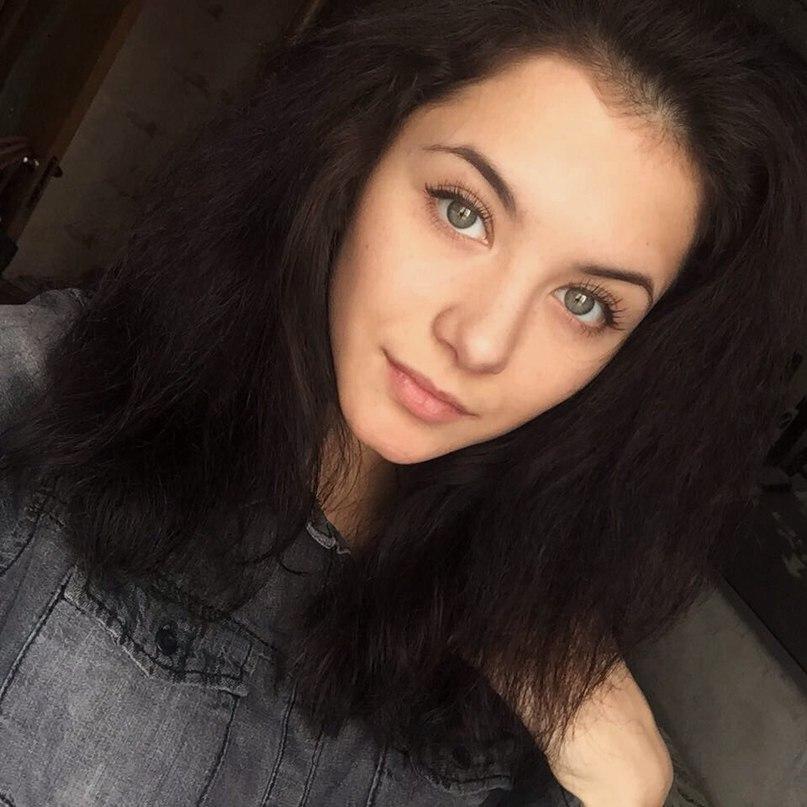 Sasha Borzenkova |