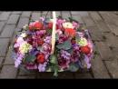 Весенняя Корзина с махровыми Тюльпан Ранункулус садовой пионовидной розой РедПиано веточками Саликс и душистого Эвкалипт