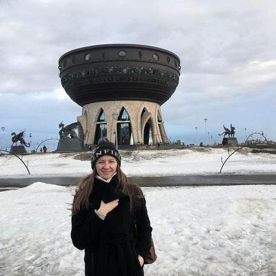 Даша Узаревич