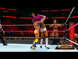 WWE.RAW.2017.10.02. Bayley  Sasha Banks vs. Alicia Fox  Emma