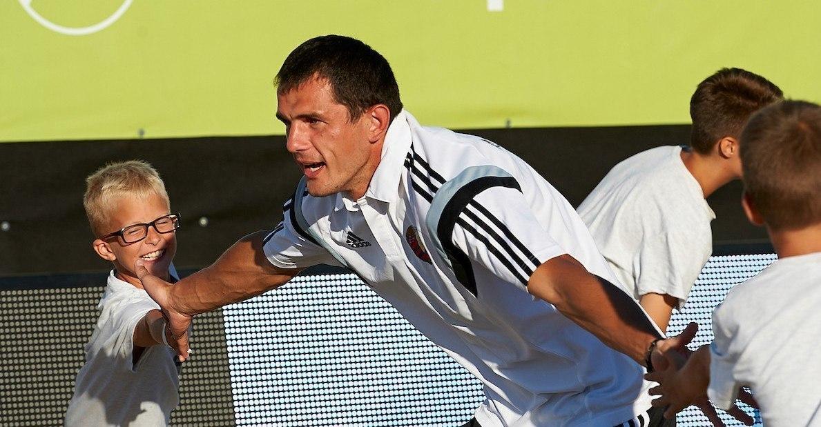 Матч между сборными РФ иСША попляжному футболу пройдет вДубае