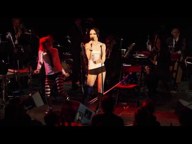 Aranea Peel singt klassische deutsche Chansons