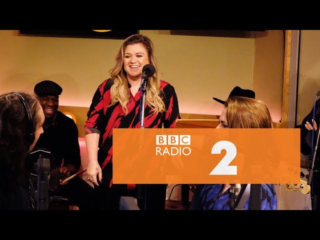 Kelly Clarkson - My Lovin' (You're Never Gonna Get It) (En Vogue cover, Radio 2 Breakfast Show)