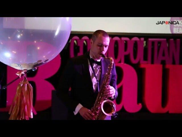 Саксофонист виртуоз батл с барабанщиком
