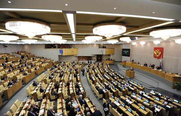 В Госдуме предложили арестовывать на 15 суток за мат в семье