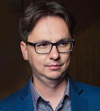 Евгений Лавров