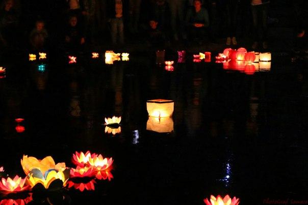 Фестиваль водных фонариков в парке им. Ю. Гагарина