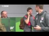 😄😄😄 Томас Мюллер говорит по паспорту, чтобы избежать общения с журналистами