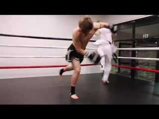 Taekwondo vs Muay Thai 2014 _ Martial Arts Fight S - 360P.mp4