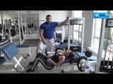 Анатомия спорта: три эффективные упражнения на тренажерах для аппетитной попки