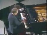 Как правильно играть в 4 руки на рояле