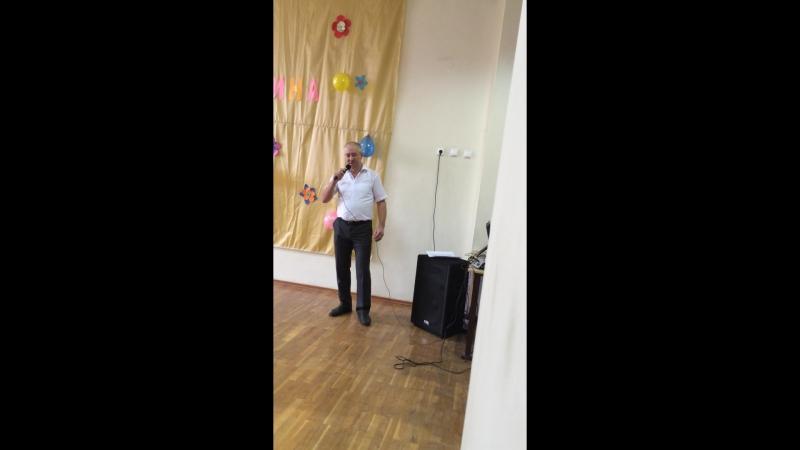 8 марта 2015 год.Песню (ах,какая женщина) исполняет Есин Г.А.