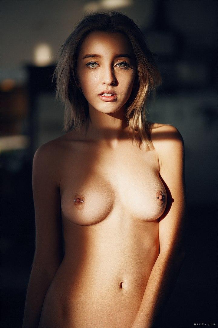 Naked girls ass photo