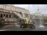 В Петергофе сезон фонтанов открылся в дождь и снег