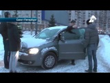Активисты СтопХам встали живой стеной на тротуаре в Петербурге