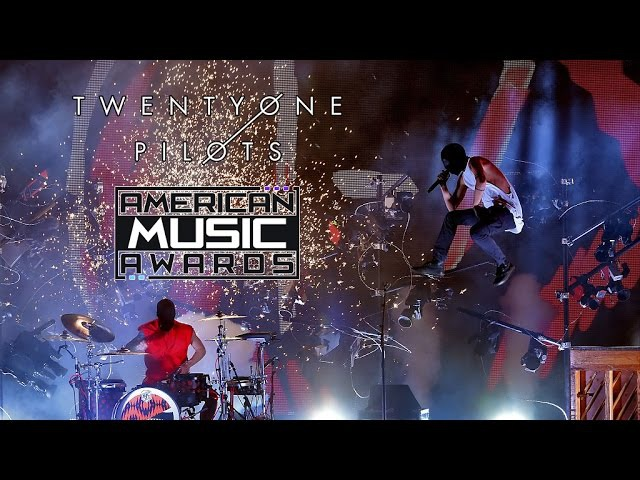 Twenty one pilots - Heathens Stressed Out (Live at AMAs 2016) 1080p HD