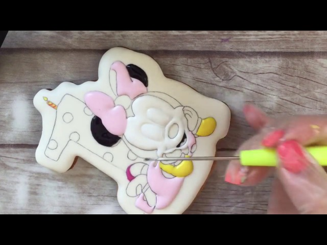 Часть 1: Имбирный пряник Минни Маус - заливка ( Part 1: Gingerbread Minnie Mouse - Filling)