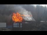На Червишевском тракте горит жилой дом