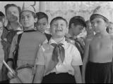 Dobro.Pozhalovat.Ili.Postoronnim.Vhod.Vospreschen.1964.RUS.BDRip.XviD.AC3.-HQ-ViDEO (online-video-cutter.com)