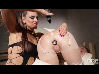 Mea melone and vinna reed (vinna in chains: czech bondage vixen double penetrated)[2017, all sex, lesbians, dildo, hd 1080p]
