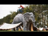 Kenny Belaey and Thomas Oehler Session Bizarre MTB Trials Playground