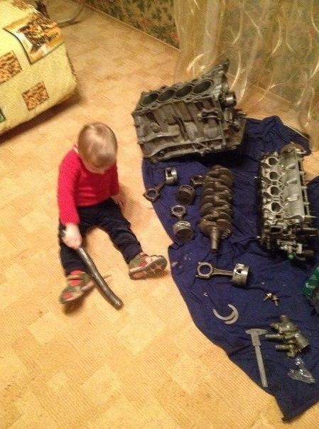 Обычное детство мальчика в России