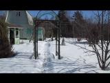 27.03.16. Вся семья на даче в марте- снег в бочках