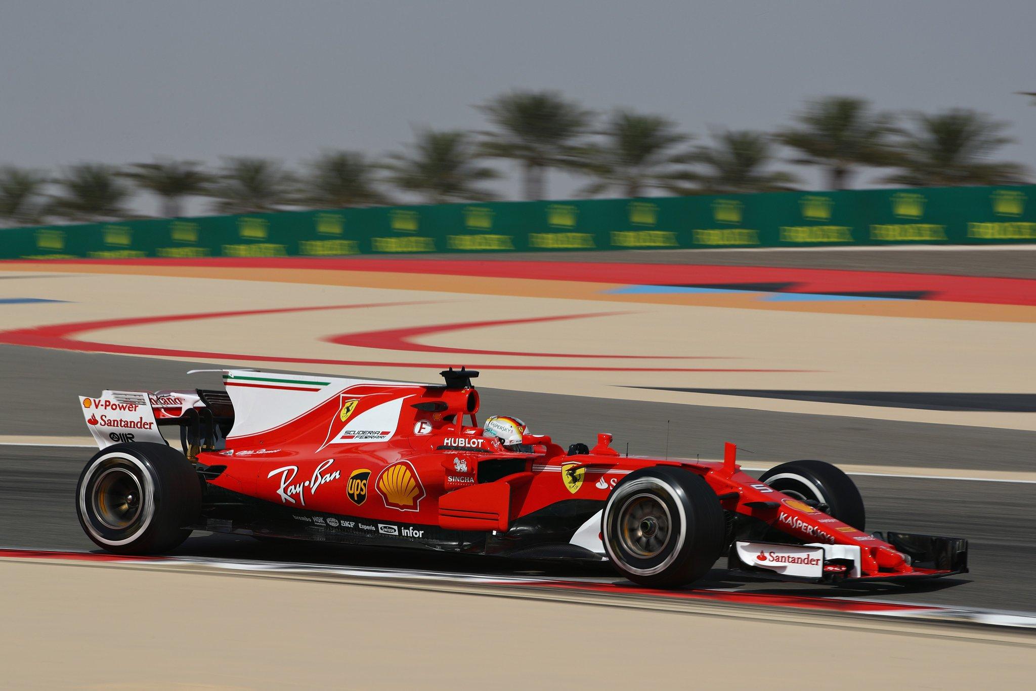 Себастьян Феттель - быстрейший в первой тренировке гран-при Бахрейна 2017 года