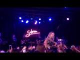 Концерт Сабрины в Калифорнии, Западном Голливуде в рамках «EVOLution Tour» (27 октября)