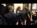 По подозрению в грабежах задержали пятерых полицейских в Киеве. Видео Нацполиции