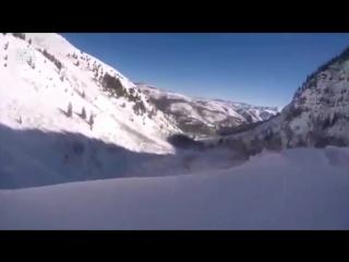 Лыжник слишком поздно заметил обрыв