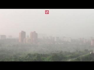 Страшно красивый ураган в Москве. Собрали лучшие кадры