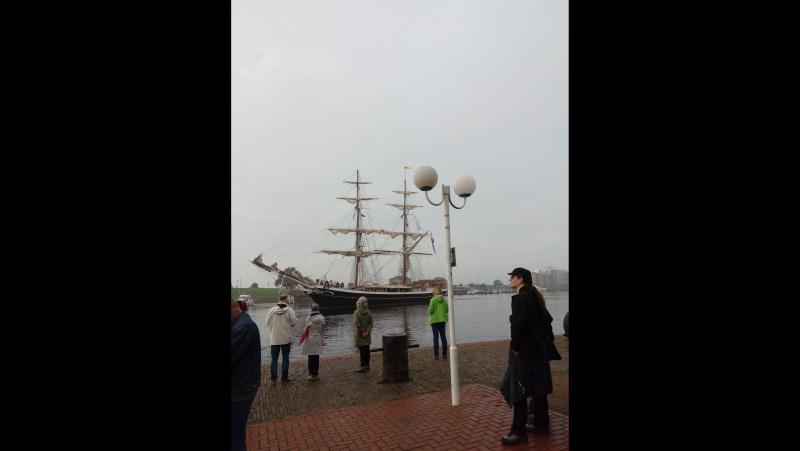 Корабли лавировали :)